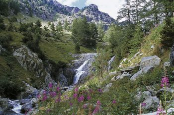 parco La-cascata-di-Peyrastreiche-foto di-E.-Le-Bouteiller