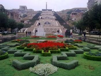 Armenia Yerevan giardini (ph. Mario Negri © Mondointasca.it)