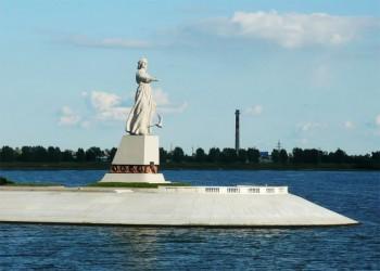 Anello Russia Statua Matuska dedicata al Volga