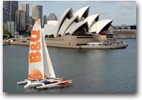 barca Prima uscita del trimarano B&Q a Sydney nel 2003. Skipper: Ellen MacArthur