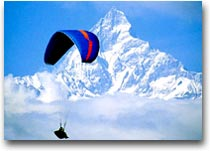 Paragliding sull'Himalaya