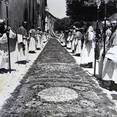 La prima Infiorata del 1930 (Photo Hispellum)
