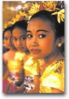 Giovani danzatrici a Bali