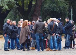 Un gruppo di trekker partecipa a una visita guidata