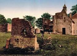 I ruderi di chateau de Hougomont dove iniziò la battaglia