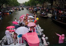 Festa in rosa sui canali