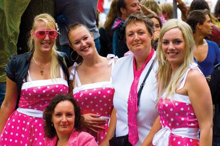 Coppie lesbiche al Gay Pride di Amsterdam