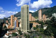 Bogotà, a perdita d'occhio grattacieli e case basse