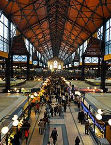 Il mercato coperto di Budapest, in ungherese Nagycsarnok