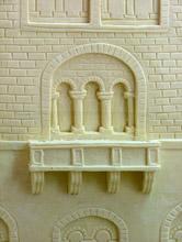 Un particolare del castello di cioccolato bianco