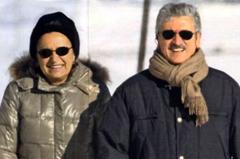 Massimo D'Alema e la moglie a St. Moritz sulle pagine del settimanle 'Chi'