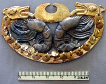 Uno dei gioielli da naso in oro e argento della Señora