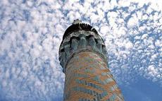 Minareti nella bufera