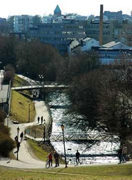 Camminando lungo il fiume Akerselva. Foto: Oslo Kommune Friluftsetaten