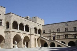 Il cortile del palazzo del Gran Maestro dei Cavalieri