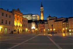 Pirano, la piazza dedicata al violinista Giuseppe Tartini