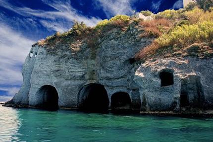 Isola Le grotte di Pilato