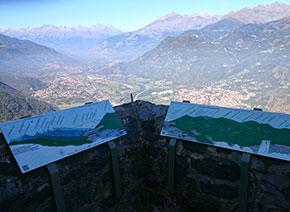 Guardando verso Nord-ovest si vede l'estendersi della Val di Susa fino al confine con la Francia