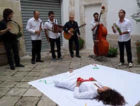 tour La Taranta tra spettacolo e folclore