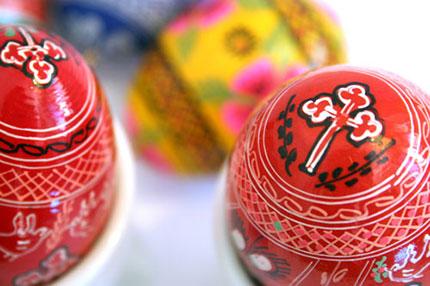 Le tipiche uova dipinte per festeggiare la Pasqua