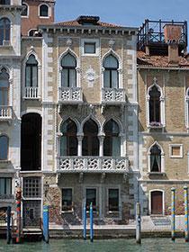 Le Finestre A Venezia Si Affacciano Ovunque Una Necessità Vitale