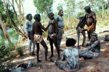 pintubi aborigeni australia
