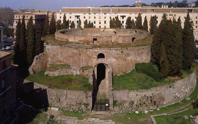 Finanziato il restauro del mausoleo di augusto for Augusto roma