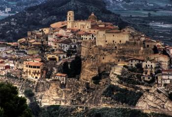 Turisti Santa Severina Crotone