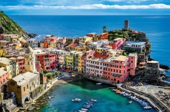 Turisti Vernazza Liguria