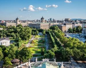 Vista su Volksgarten, musei e Parlamento di Vienna. © WienTourismus, Christian Stemper