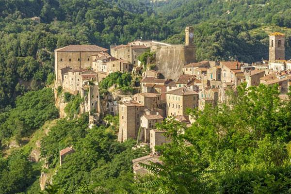 Italy,-Sorano,