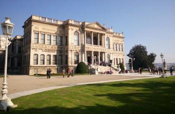 Palazzo-Dolmabahce--architettura
