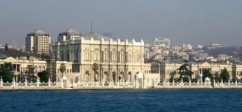 Palazzo-dolmabahce---panoramica-acqua
