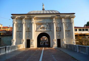 Treviso, le mura. Porta San Tomaso