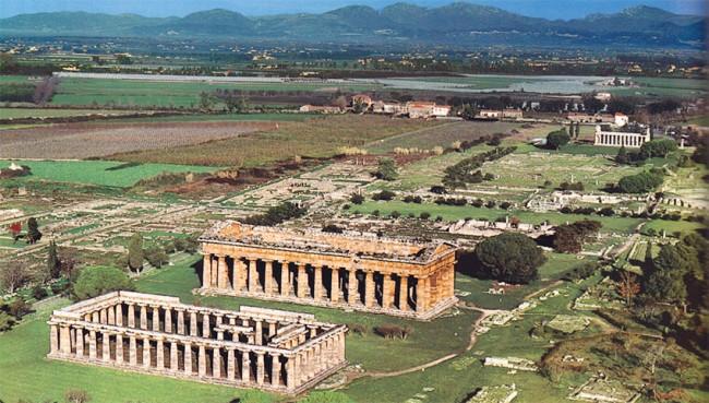 Risultati immagini per parco archeologico di paestum