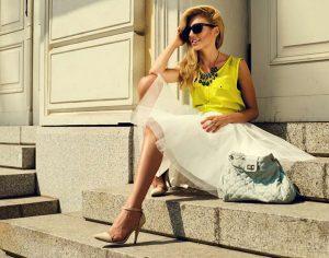 Scarpe e accessori pratici e colorati per l'estate 2016