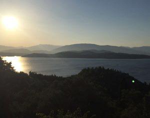 Agios Stèfanos: i gatti, le stelle e il mare blu di Corfù