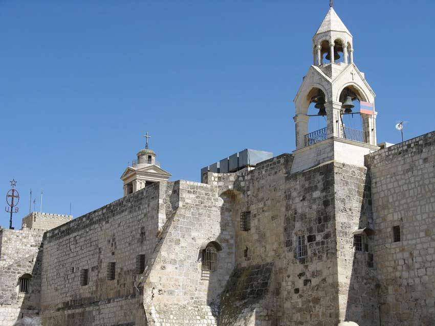 La Ragione Del Restauro.Il Restauro Della Basilica Della Nativita E Sotto L Intonaco