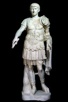 Mann Statua-di-Caligola-Isec-d.C.-marmo-h-215cm