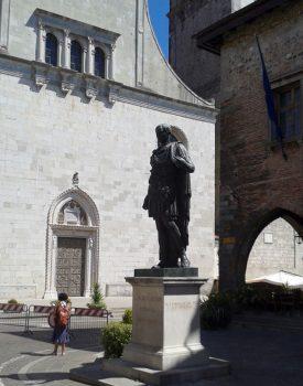 Friuli cividale-del-friuli-statua-giulio-cesare
