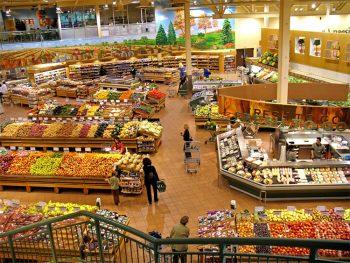 Supermercati acquisti-tra-gli-scaffali