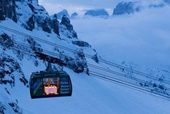 Viel dal Pan Dolomiti-mangiare-in-cabinovia-