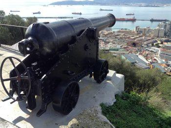Gibilterra Cannone-simbolo-di-guerra-e-difesa