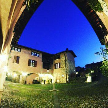 Biagio Bondi La corte antica si sera