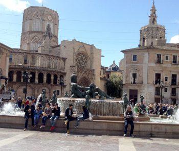 bARCELLONA Valencia-Plaza-de-la-Virgen