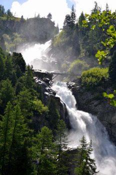 La Thuile Cascate-Rutorine-Il-nuovo-ponte-Credit-Guida-Alpina-Giuseppe-Alliod