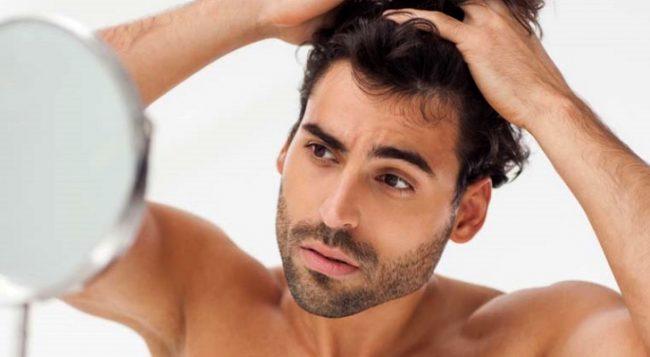 Gli uomini e la caduta dei capelli: cause e rimedi