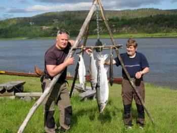 Nuorgam Il-fiume-Teno-è-generoso-di-salmoni