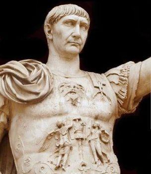 Traiano statua