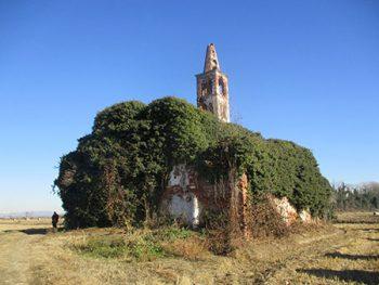 Paniscia e Tapulon Chiesa diroccata a Casaleggio vicino Castellazzo Novarese
